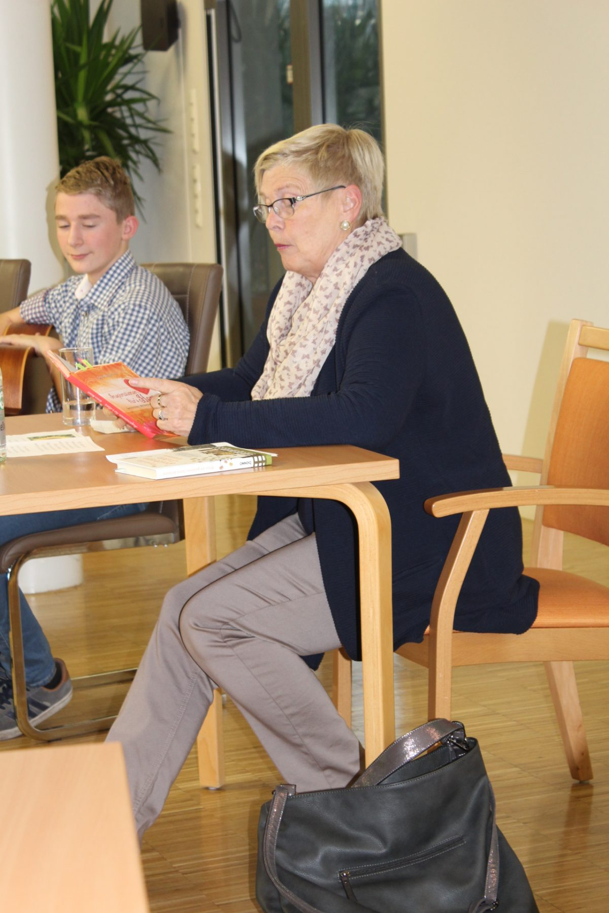 Internationaler Vorlese Tag mit Frau Bernadette Christ