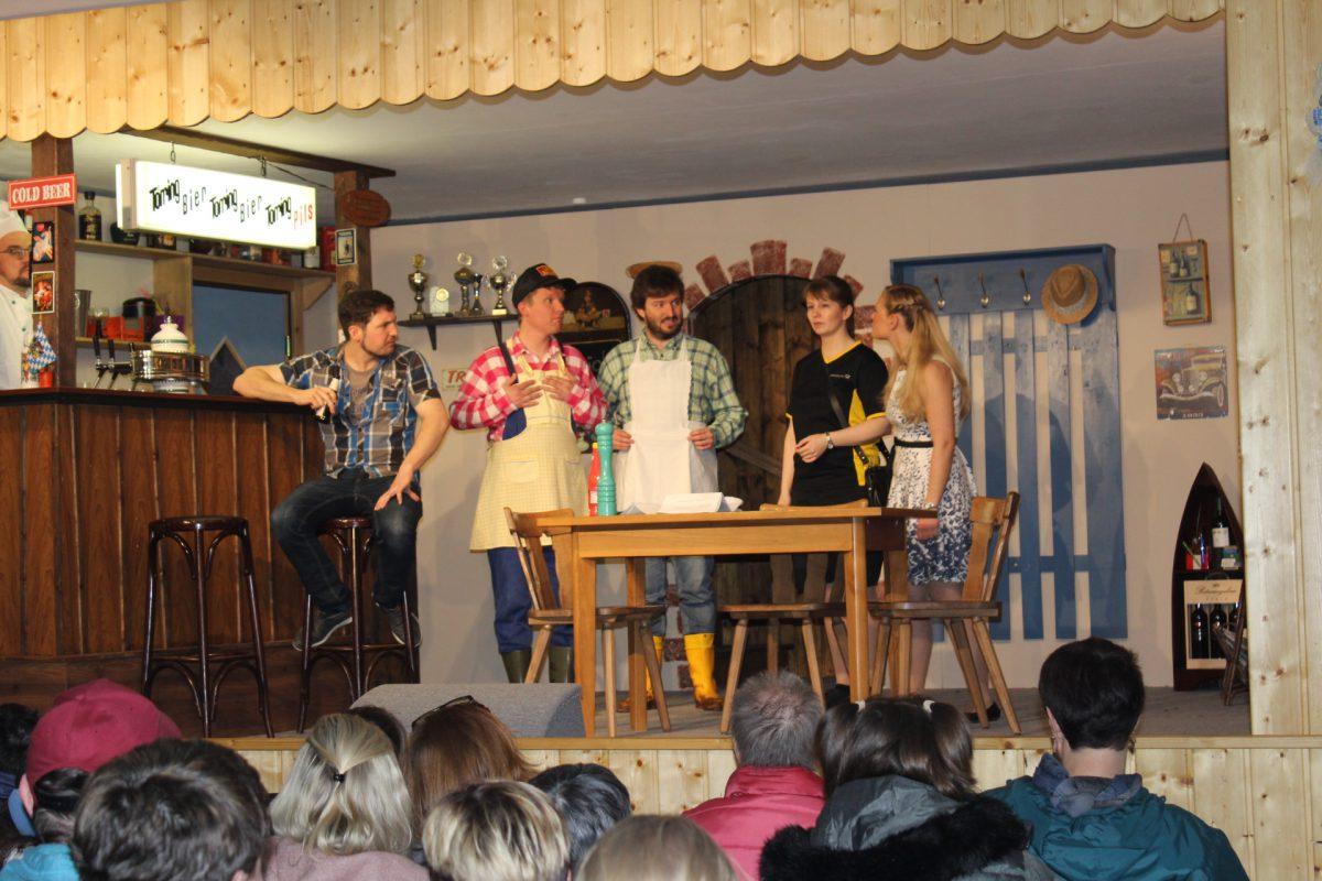 """Theatergruppe Grünthal mit """"Landeier"""""""