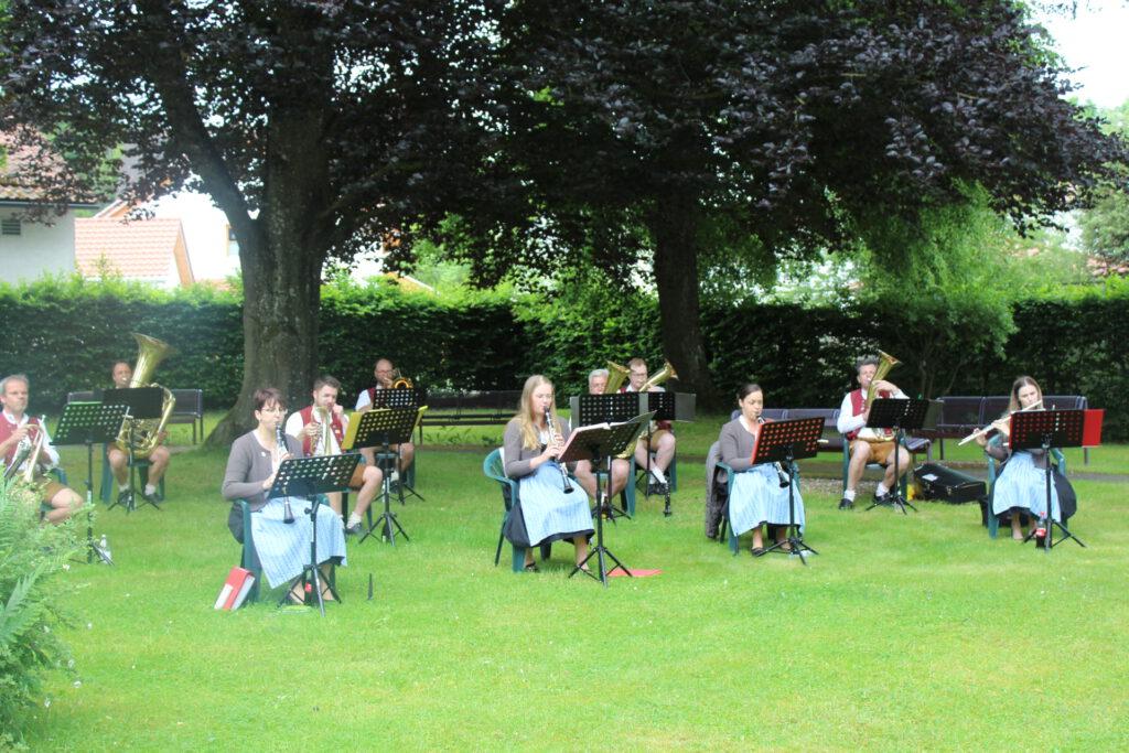 Blaskapelle unplugged im Park